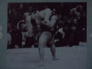千代の富士 逆鉾 吊り出し