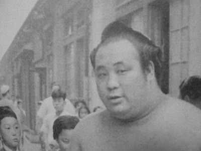 栃若時代 – 大相撲になりました...